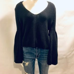 Free People flare sleeves sweater size xs